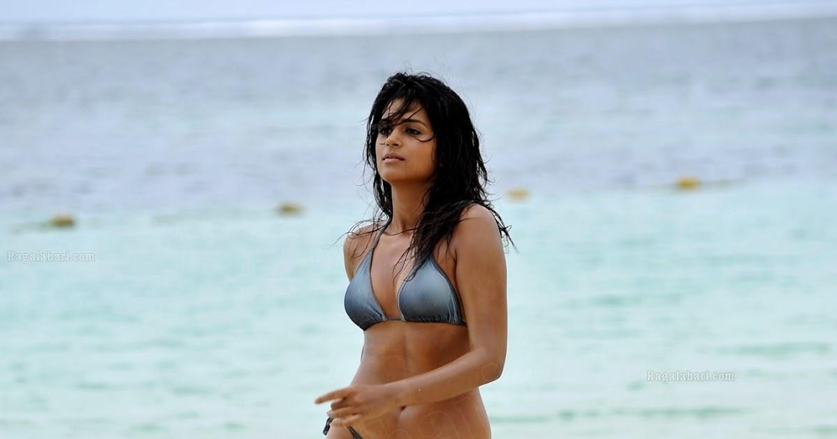 Plumpy Navel, Deep Navel And Actress Sexy Images: Shradda