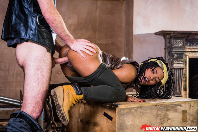 Kiki Minaj - The Walking Dead a XXX Parody (Digital Playground)