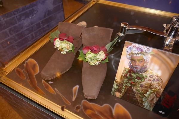 Nutcracker Four Realms Hawthorn costume shoes
