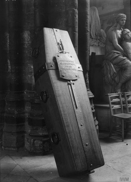 The Unknown Warrior at Westminster Abbey, November 1920