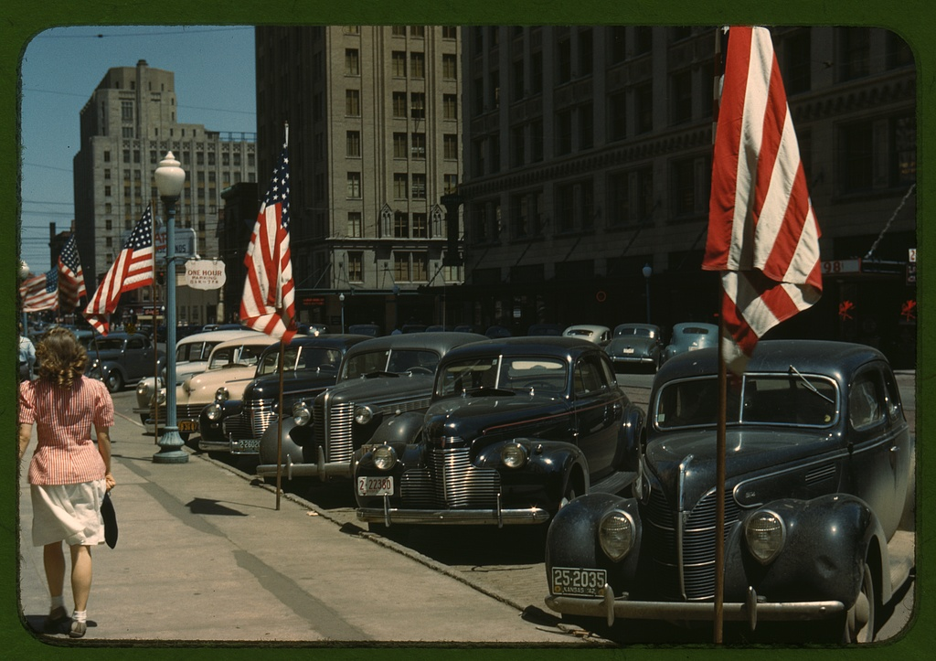 36 Amazing Historical Pictures. #9 Is Unbelievable - Lincoln, Nebraska in Color in 1942 by John Vachon.