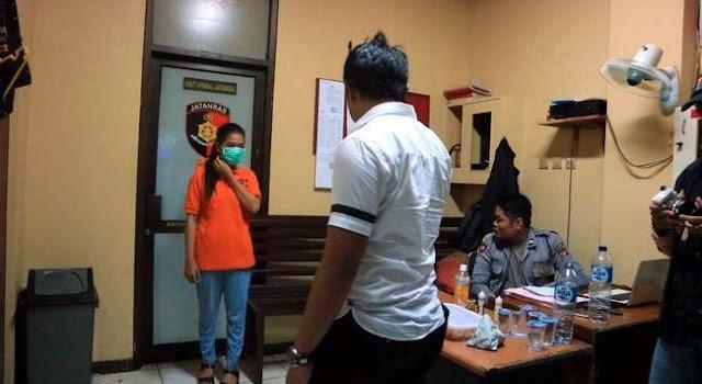 ABG Berumur 16 Tahun Ditangkap Karena Menjalani Bisnis Esek-Esek