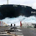 After creating huge huge ships, the way the sea is shipped. Watch in the video