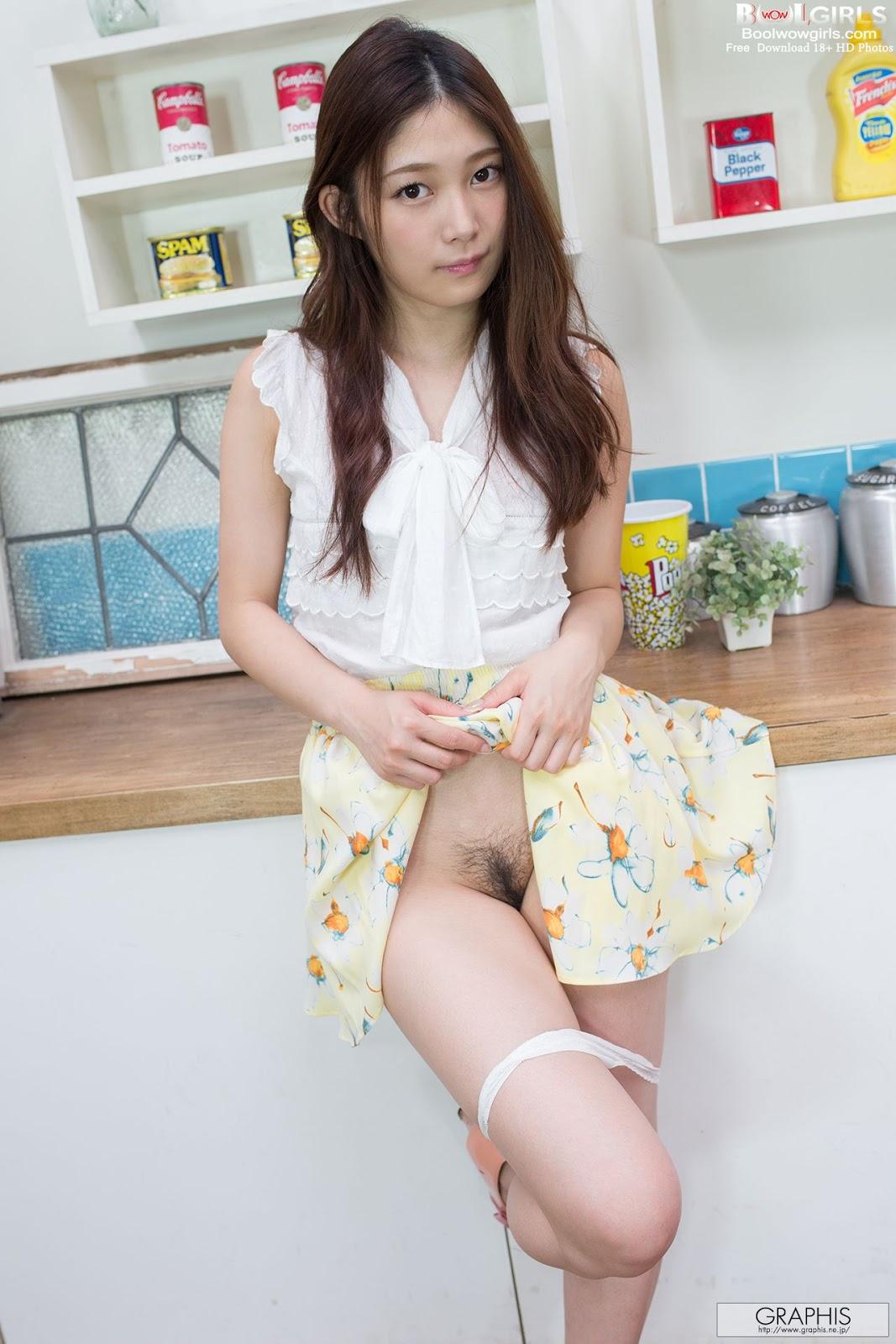 昆熙Quincey the Plaid Uniform Schoolgirl Cosplay on 模范学院MFStar VOL.091 | Gravure Girls Idols