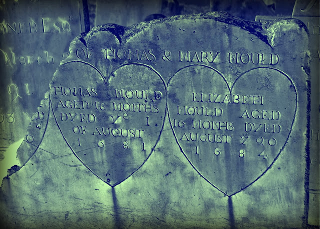 Old Burying Point, headstone, Salem, Massachusetts, broken heart