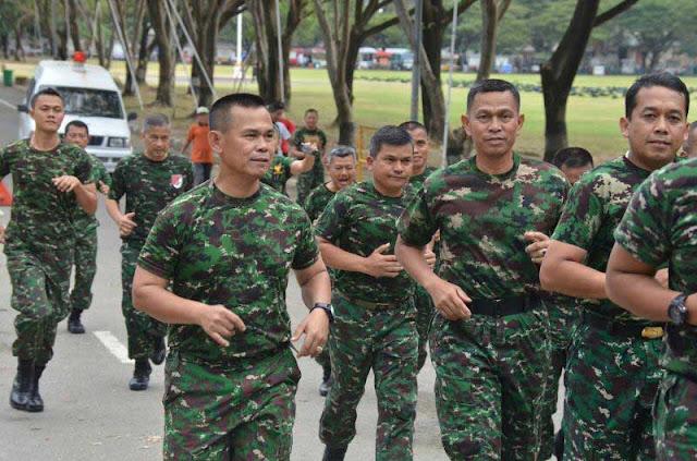 Minggu Militer, Lari Jalanan Bersama Kasdam