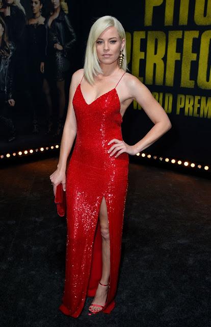 Elizabeth Banks Hot Picture in Red Dress