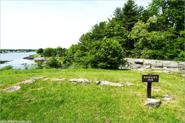Cimientos de las Barracas del Fuerte McClary, Maine