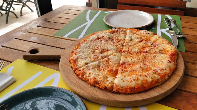 Margarita Pizza, Backyard Restaurant, Salmiya, Kuwait