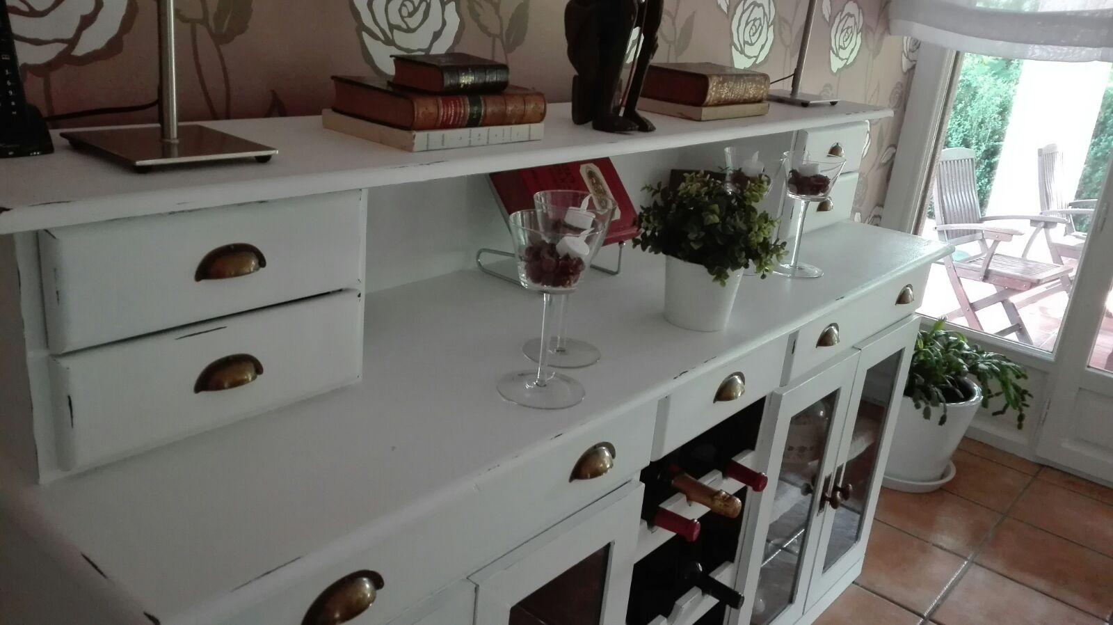 Recikla arte qui n quiere cambiar sus muebles tan s lo for Muebles pintados a la tiza