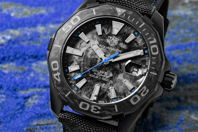 TAG Heuer Aquaracer Carbon Edition with blue accents