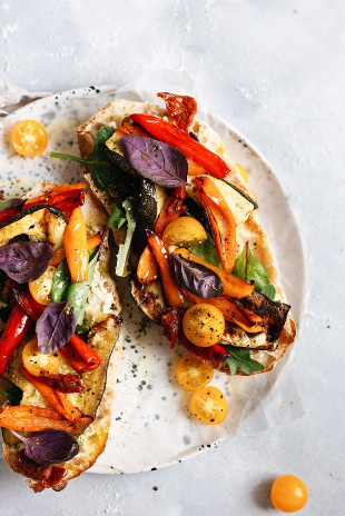 Summer Roasted Vegetable Toasted Sandwích