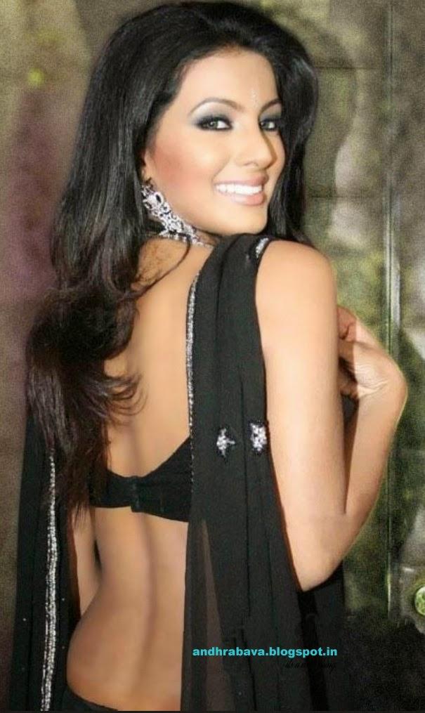 Geetha Nude 14