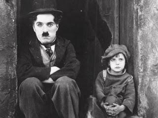 https://2.bp.blogspot.com/-gzaQjhcl1SY/VsEEcrcqwwI/AAAAAAAADP4/bT5_-soDWDw/s320/the-kid-1921.jpg