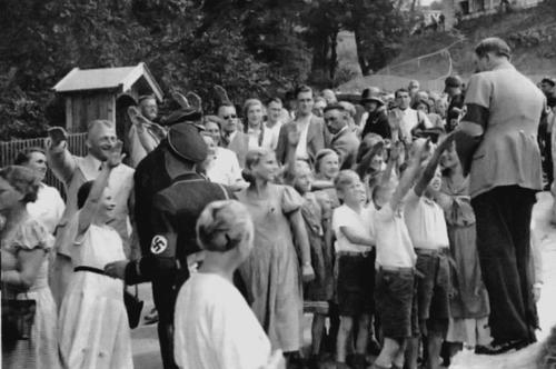 Hitler worldwartwo.filminspector.com