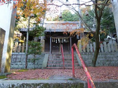御机神社 拝殿