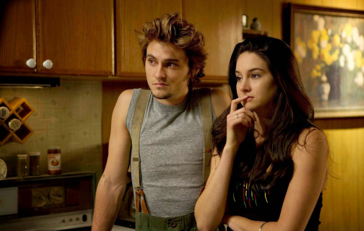 white bird in a blizzard-shiloh fernandez-shailene woodley
