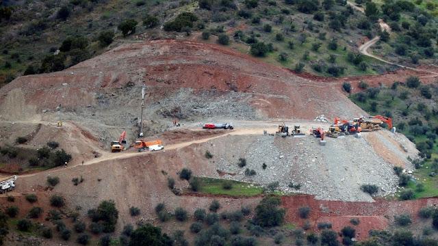Imágenes aéreas muestran la magnitud de los trabajos de rescate del niño español que cayó a un pozo