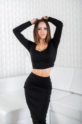 Die Ukrainerin ist sehr sportlich und liebt Fitness. Du kannst die Ukrainerin kennenlernen.