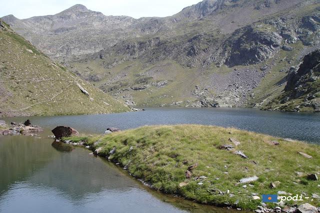 Estany de la Gola, en la subida al Mont-Roig desde Unarre