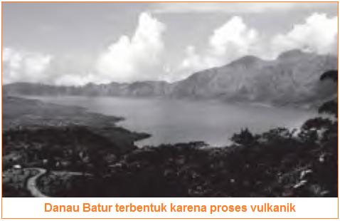 Danau Batur terbentuk karena proses vulkanik - danau vulkanik