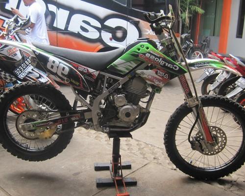 Gambar Modifikasi Klx 150 Supermoto Motor Kawasaki