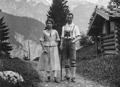 Detail - Zwei Personen im Garmischer Umland - um 1910-1920