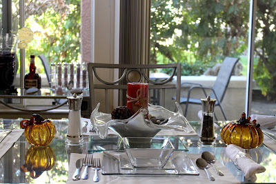 Giving Thanks In California Thanksgiving Table