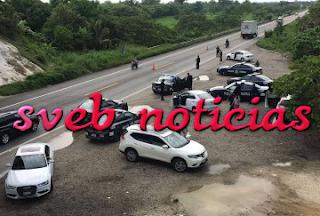 En Las Choapas detienen a 5 sujetos con 5 autos de lujo robados
