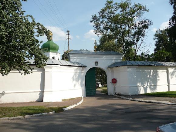 Чернігів. Єлецький Успенський монастир. Вхід