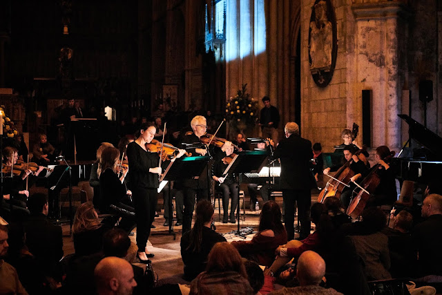 Alexandra Wood performing with the City of London Sinfonia at Southwark Cathedral (Photo Kaupo Kikkas)