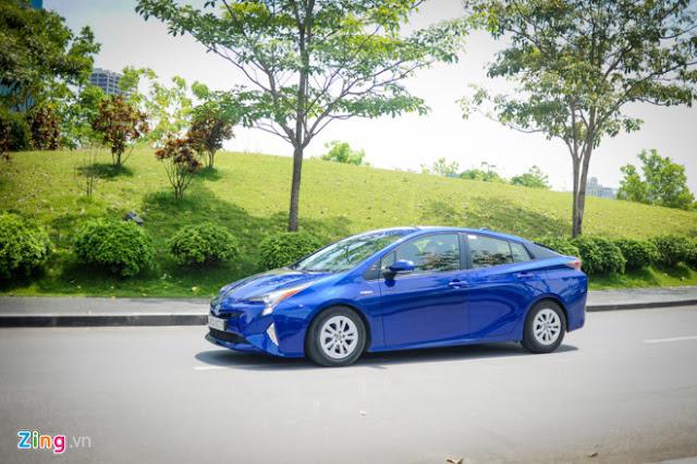 Xe Toyota sắp bán tại Việt Nam với khả năng chạy 100km chỉ tốn 10 lít xăng 01