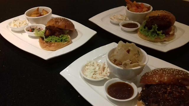 Hamburger Spesial Khas Makanan Tradisional Indonesia