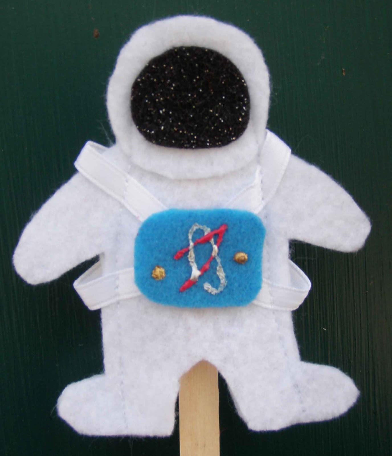 Crack Of Dawn Crafts Astronaut Felt Finger Puppets