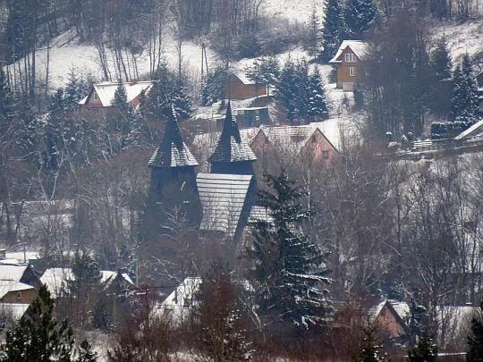 Zaryte i kościół pw. MB Częstochowskiej.