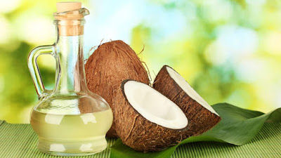 coconut oil keeps your lips smooth