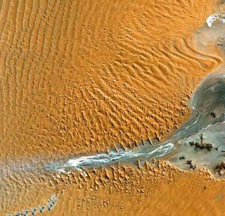 ستون صورة مدهشة لكوكب الأرض من الأقمار الصناعية 421.jpg