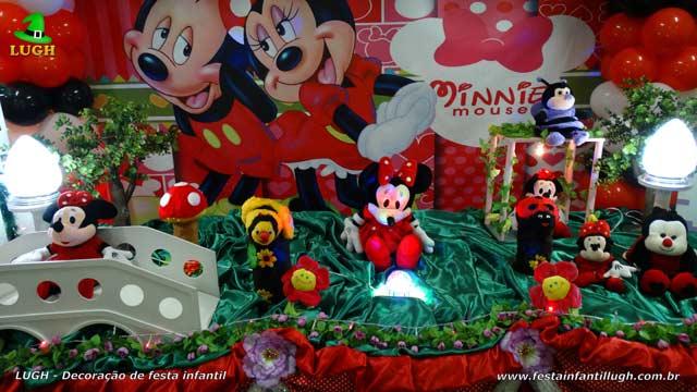 Decoração mesa temática da Minnie para aniversário - Mesa luxo forrada de pano
