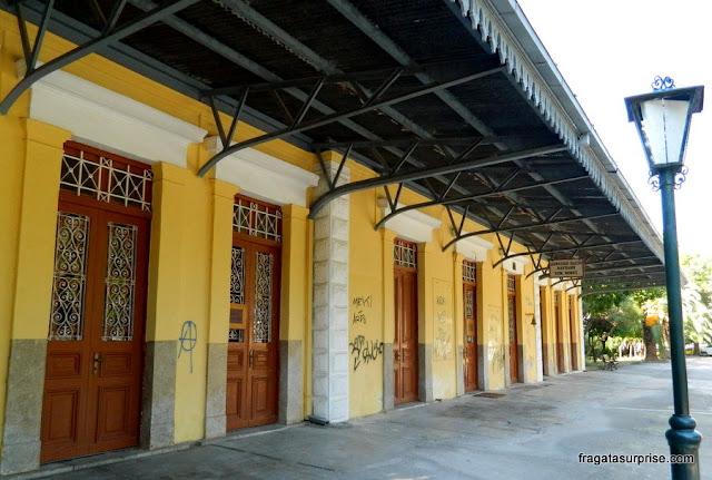 Antiga estação ferroviária de Nafplio, Peloponeso, Grécia