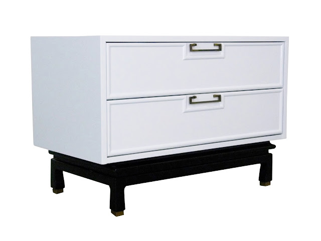 American of Martinsville White Lacquer Enamel Chest Night Stand Table Img 2