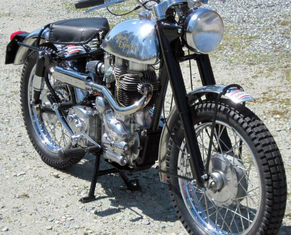 Old looking motorcycle.