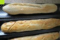Brot Seite: Amazy Baguette-Backblech – Die antihaftbeschichtete Back-Form zur Herstellung von Baguette und weiteren Gebäcken