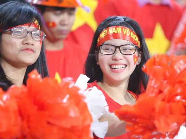 CĐV Việt Nam đổ về Malaysia 'tiếp lửa' cho U22 Việt Nam