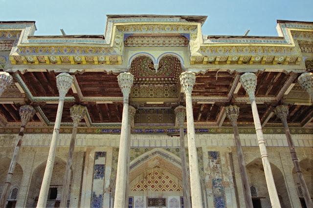 Ouzbékistan, Boukhara, mosquée Bolo Hauz, © L. Gigout, 1999