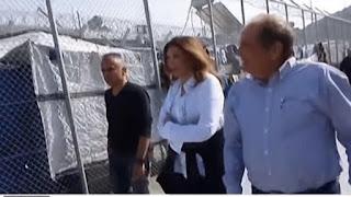 Στο ΚΥΤ της Μοριας η Μιμή Ντενίση «Γίνεται μια τεράστια προσπάθεια από ελληνικής πλευράς» (VID)