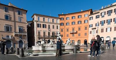 piazza navona winter scene