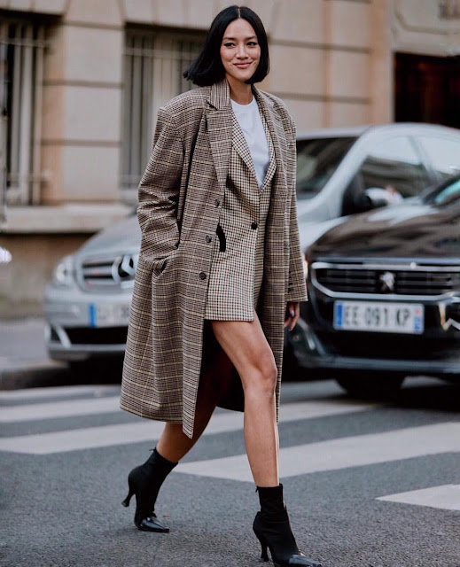 20 Easy and Stylish Ways To Layer Your Coat