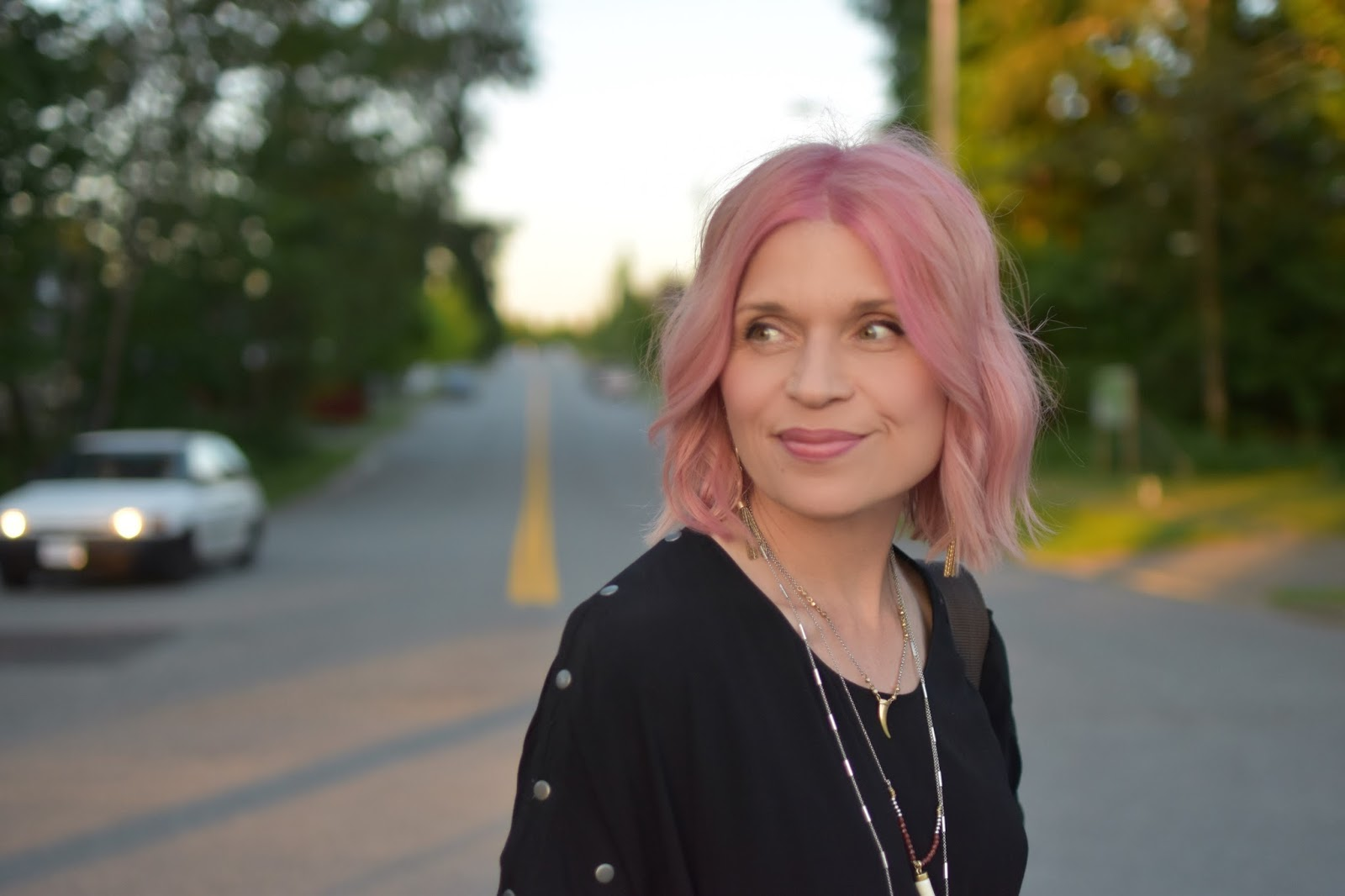 Monika Faulkner outfit inspiration - Aritzia tunic dress, pink hair