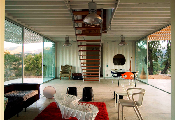 Shipping Container House with Dynamic Facade, Chile 10