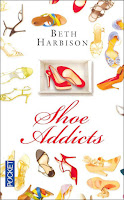 http://twogirlsandbooks.blogspot.fr/2015/12/shoe-addicts.html